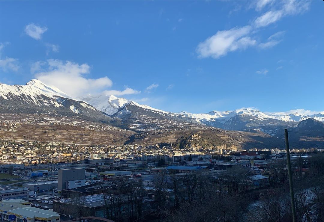 Good morning and a great St Valentine's day from Sion!  #nofilter